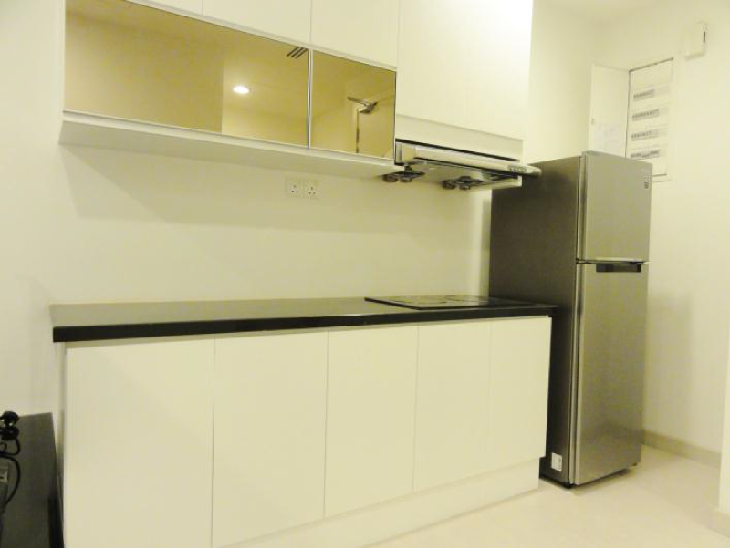 [RENT] BINJAI 8, KLCC / 754 sq.ft / 1+1R 2B / Fully furnished – RM3,500