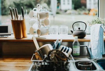 5 spots in your kitchen that demand constant cleaning