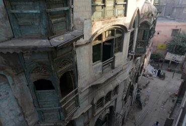 Bollywood stars' decaying homes in Pakistan to be restored